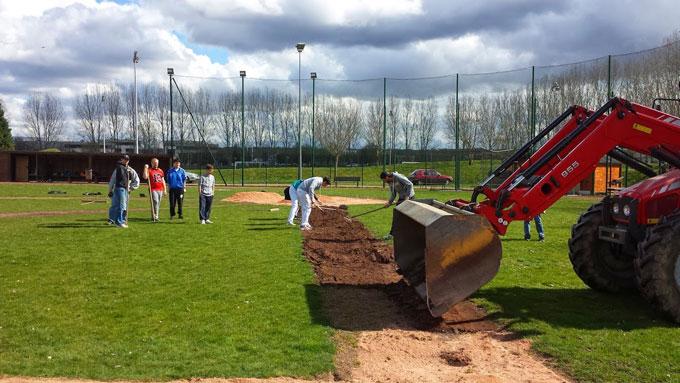 Entretien du terrain de baseball